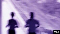 Semakin besar energi yang dikeluarkan saat berolahraga, semakin kecil risiko penurunan fungsi otak di masa tua.