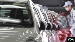Pabrik Toyota di Jepang. Ekspor otomotif Jepang di bulan Maret juga turun cukup tajam, sebesar 28 persen.
