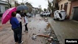 La tarea de limpieza ha comenzado en la ciudad de Dolores, en el oeste de Uruguay, que el sábado fue afectada por un fuerte tornado.