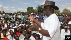 Morgan Tsvangirai addressing supporters. (File Photo)