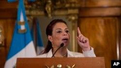 Phó Tổng thống Guatemala Roxana Baldetti phát biểu trong 1 cuộc họp báo ở Guatemala, 19/4/2015.