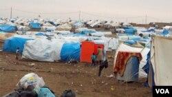 Tenda-tenda pengungsi Suriah di kamp pengungsi Dumiz, di provinsi Duhok, Kurdistan-Irak (foto: dok).