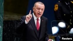 Presiden Turki Recep Tayyip Erdogan ketika memberikan pidato pada Sidang Majelis Umum PBB di New York, Selasa (24/9).