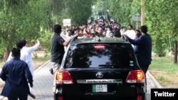 مریم نواز کی ریلی فیصل آباد کے قریب پہنچنے پر روکی گئی۔