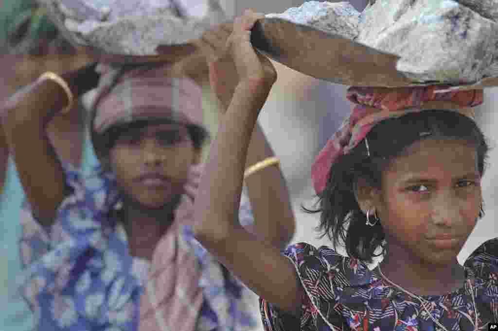 بچوں کے حقوق کے لیے کام کرنے والی تنظیموں کا کہنا ہے کہ قوانین پر عمل کر کے ہی بچوں کی حالت زار کو بہتر بنایا جا سکتا ہے۔