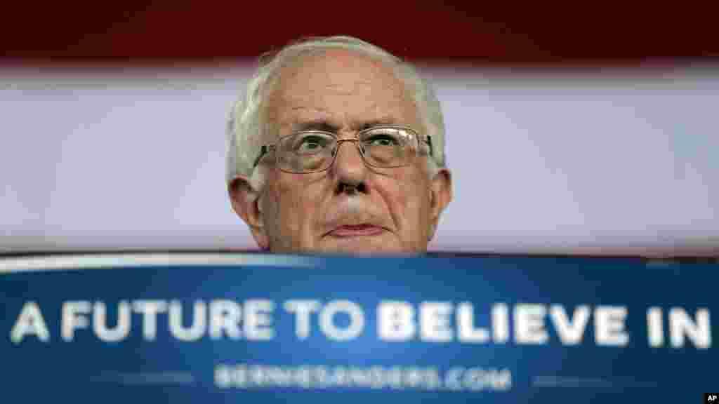 Demokrat nomzod, Vermont shtatidan senator Berni Sanders.