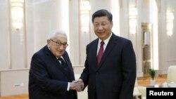 Chủ tịch Trung Quốc Tập Cận Bình đã tiếp cựu Ngoại trưởng Hoa Kỳ Henry Kissinger tại Bắc Kinh hôm thứ Năm 8/11/2018.