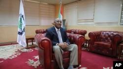 Ibrahim Elbadawi, waziri wa fedha wa serikali ya mpito ya Sudan alipohojiwa mjini Khartoum, Sudan, Jan. 28, 2020, speaks in an interview in Khartoum, Sudan, Jan. 28, 2020.