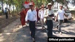 Kyaw Ko Ko, head of the All Burma Federation of Student Unions (ABFSU) (Left)