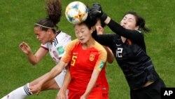 تیم فوتبال چین از لحاظ تکتیکی و نیروی جسمانی، به مراتب بهتر از جام های گذشته درخشید اما برای نخستین بار نتوانست به دور کوارترفاینل راه یابد.