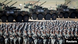 Підготовка до параду. Китай.