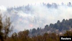 Un incendio forestal en las montañas cercanas a San Bernardino han obligado a la evacuación de cientos de personas.
