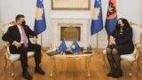 Specijalni izaslanik Evropske unije Miroslav Lajčak i kosovska predsednica Vjosa Osmani (Foto: Predsedništvo Kosova)