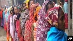 বাংলাদেশে পৌরনির্বাচনের প্রথ মদিনে ভোটদাতা