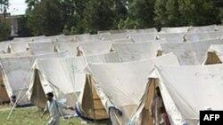 Наметове містечко для постраждалих від повені в Пакистані