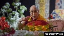 达赖喇嘛2014年5月6日在拉脱维亚首都讲授佛法(第十四世达赖喇嘛官方国际华人网站)