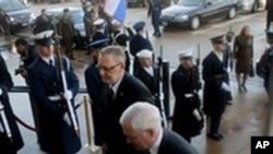 Robert Gates i Davor Božinović