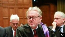 Ông William Schabas, trưởng ban điều tra về tội ác chiến tranh của Liên hiệp quốc đã đệ đơn từ nhiệm