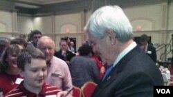 Newt Gingrich ima sve manje novca za svoju kampanju
