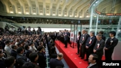 日本首相安倍晋三总结2013年东京股市交易