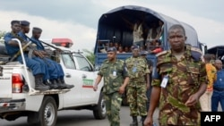 Un camion police ont arrêté des rebelles burundais capturés en RDC, le 21 janvier 2017.