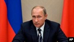 رئیس جمهور پوتین ترکیه را به حمایت از داعش متهم کرد.