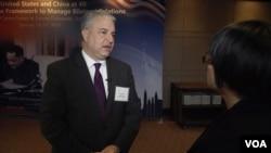 德州大学奥斯汀分校中国政策中心创始执行主任方大为(David Firestein)接受美国之音专访。(2019年1月17日)