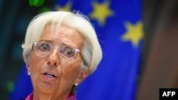차기 유럽중앙은행(ECB) 총재인 크리스틴 라가르드 국제통화기금(IMF) 총재가 지난 4일 유럽의회 경제통화위원회 회의에서 연설하고 있다.