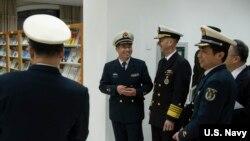 2019年1月15日美国海军作战部长(CNO)理查森上将访问南京的中国海军指挥学院进行圆桌讨论,强调全球合法安全行动的重要性。