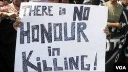 Unjuk rasa menuntut penghapusan praktek 'pembunuhan demi kehormatan' (honor killing), yang masih lazim dilakukan di India dan Pakistan.