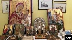 Greqia bashkëpunon me Interpolin për rikthimin e ikonave të grabitura në kishat shqiptare