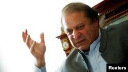 Ông Nawaz Sharif, lãnh đạo Đảng Liên minh-Nawaz Hồi giáo Pakistan (PML-N) nói chuyện với các phóng viên nước ngoài tại tư gia ở Lahore, ngày 13/5/2013.