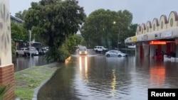 Kawasan Byron Bay, New South Wales, Australia, kini dilanda banjir.