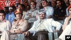 یاسر عرفات در کنار سرهنگ معمر قذافی، رئیس جمهور سابق لیبی- طرابلس- اوت ۱۹۷۸