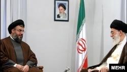 حسن نصرالله به رهبر جمهوری اسلامی ایران نزدیک است.