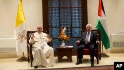 Đức Giáo hoàng Phanxicô gặp Tổng thống Palestine Mahmoud Abbas ở Bethlehem, ngày 25/5/2014.