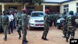 Soldados da Guiné-Bissau, dias depois do golpe de Abril de 2012