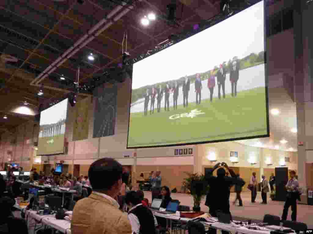 Пресс-центр саммитов, где работали тысячи журналистов со всего мира