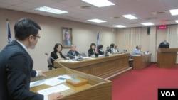 台湾立法院外交及国防委员会10月24日质询的情形