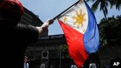 Situs web Presiden Rodrigo Duterte mengatakan bulan lalu, warga AS akan diminta untuk mengajukan visa turis untuk masuk ke Filipina, jika para pejabat Filipina terkait penahanan Leila de Lima dilarang masuk ke Amerika. (Foto: ilustrasi).