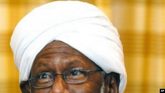 Sudan's leading Islamist opposition leader Dr. Shaikh Hassan Al-Turabi talks to the press in Doha (File Photo).