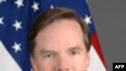 نيکولاس برنز: بهايی که ايران برای دنبال کردن جنگ افزار اتمی و پشتيبانی از تروريسم می پردازد