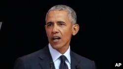 El ex presidente de EE.UU. Barack Obama, pronuncia un discurso en Sudáfrica, el martes 17 de julio de 2018. Obama anunció su apoyo a candidatos demócratas en las elecciones de medio término en noviembre.