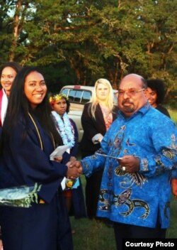 Gubernur Papua Lukas Enembe beri ucapan selamat dan penghargaan kepada Sherina Fernanda, yang lulus dengan magna cum laude dari Universitas Corban, Oregon, dan kini ditawari tiga kampus bergengsi lain untuk melanjutkan pendidikan.