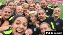 سلفی تیم فوتبال زنان آمریکا