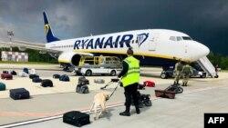 Avion Rajanera koji je prinudno spušten na aerodrom u Minsku (Foto: AFP)