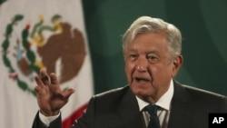 El presidente de México, Andrés Manuel López Obrador, da su conferencia de prensa diaria en el Palacio Nacional de la Ciudad de México, el martes 8 de junio de 2021.