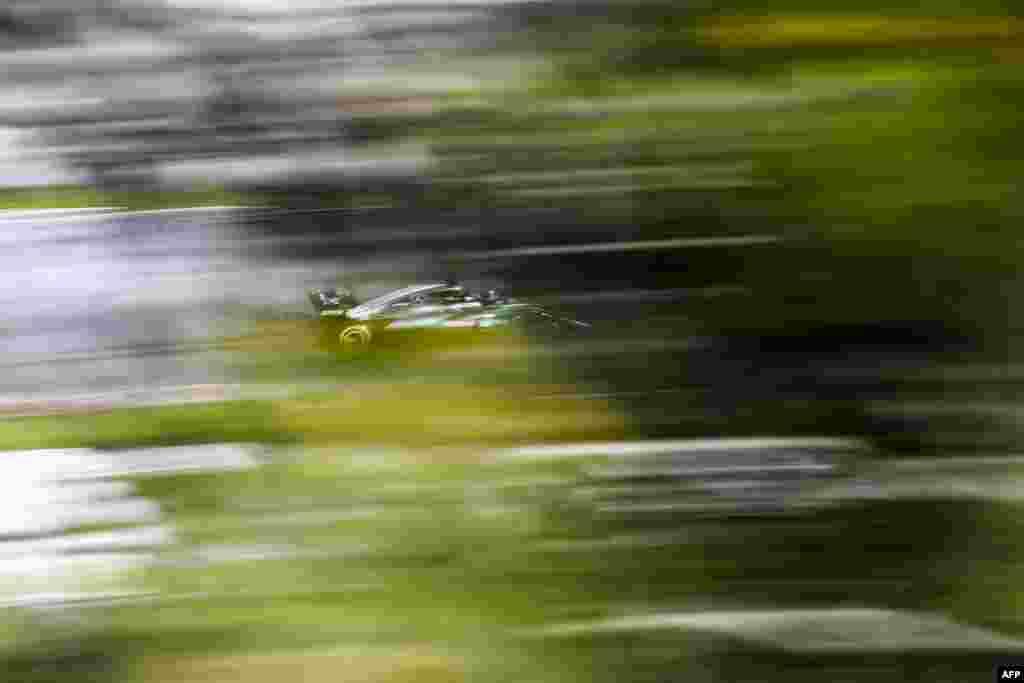 កីឡាករ Valtteri Bottas ដែលបើករថយន្ត Mercedes ប្រណាំងនៅទីលាន Circuit de Barcelona Catalunya នៅក្នុងក្រុង Montmelo ប្រទេសអេស្ប៉ាញ ក្នុងសប្តាហ៍ទី២នៃការសាកល្បងនៃការប្រកួត Formula One Grand Prix។