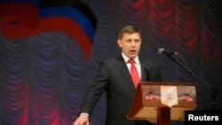 """亞歷山大.哈爾琴科11月4日宣誓就任所稱的""""頓涅斯克人民共和國""""總理"""