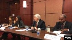 兰托斯人权委员会12月8日于国会山举办全球人权状况简介及讨论会。(美国之音戴山拍摄)